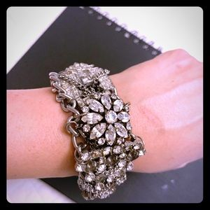 Jewelry - Elegant with Edge Chain Stone Bracelet